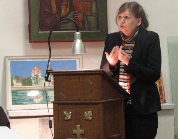 Комиссарова Лариса Александровна, президент фонда возрождения национальных традиций «Новый век».